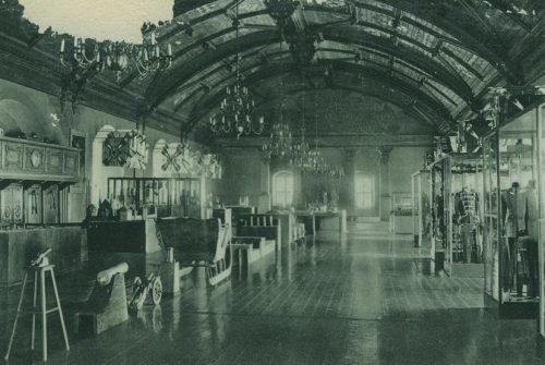 Зал московитов: большой зал для приемов над замковой кирхой